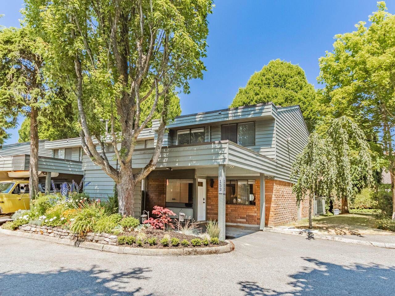 """Main Photo: 153 3031 WILLIAMS Road in Richmond: Seafair Townhouse for sale in """"Edgewater Park"""" : MLS®# R2597375"""