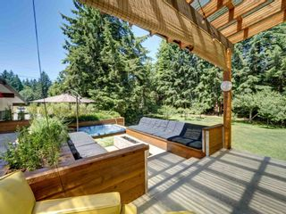 Photo 2: 628 KING Road in Gibsons: Gibsons & Area House for sale (Sunshine Coast)  : MLS®# R2596005