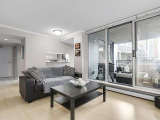"""Photo 15: 501 183 KEEFER Place in Vancouver: Downtown VW Condo for sale in """"PARIS PLACE"""" (Vancouver West)  : MLS®# R2124284"""