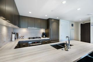 """Photo 4: 602 125 E 14TH Street in North Vancouver: Central Lonsdale Condo for sale in """"CENTREVIEW"""" : MLS®# R2587164"""