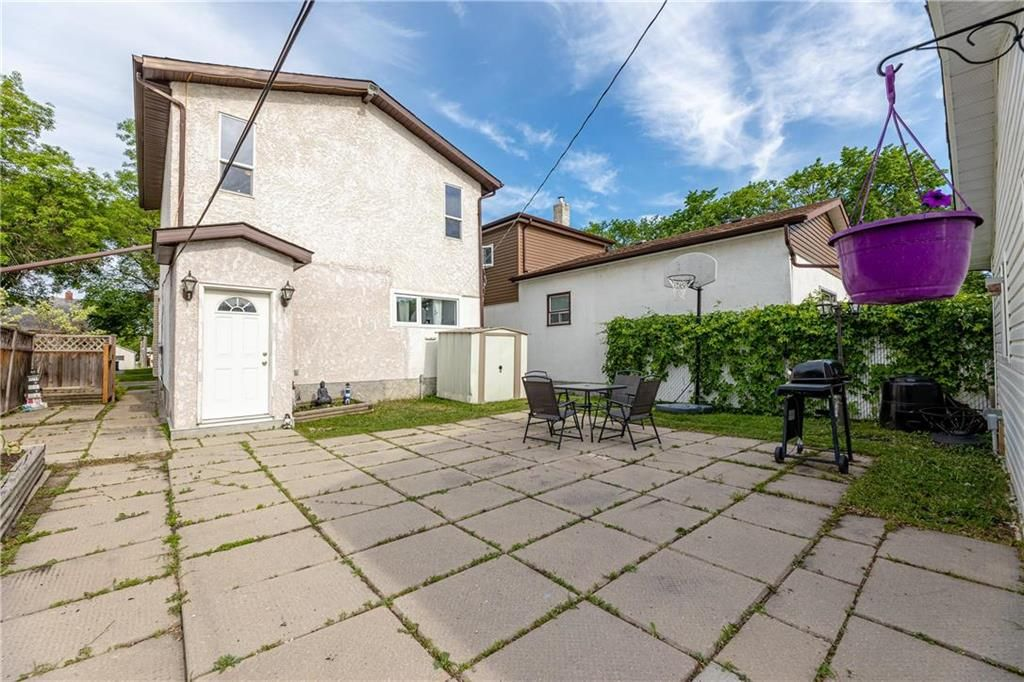 Photo 26: Photos: 805 Madeline Street in Winnipeg: West Transcona Residential for sale (3L)  : MLS®# 202114224