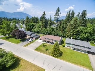 Photo 3: 3411 Southeast 7 Avenue in Salmon Arm: Little Mountain House for sale : MLS®# 10185360