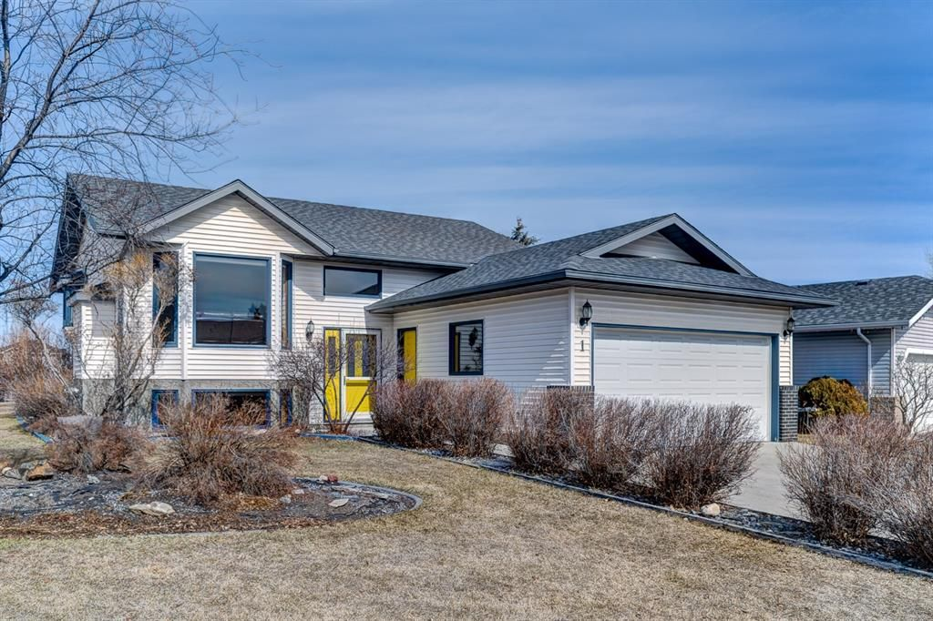 Main Photo: 1 West Boothby Crescent: Cochrane Detached for sale : MLS®# A1090336