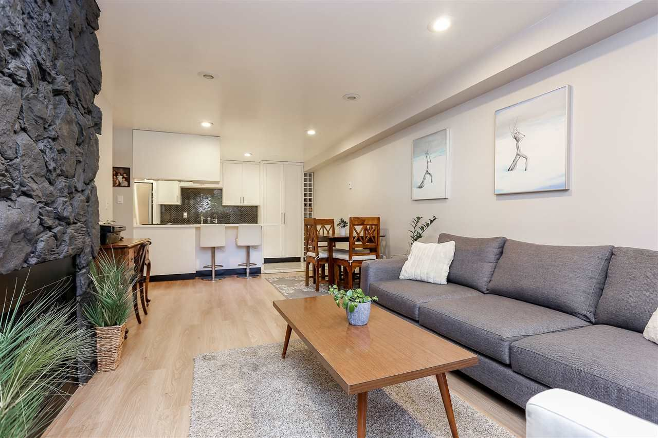 """Photo 3: Photos: 103 1484 CHARLES Street in Vancouver: Grandview VE Condo for sale in """"LANDMARK ARMS"""" (Vancouver East)  : MLS®# R2013401"""