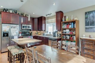 Photo 9: 3377 Sewell Rd in : Co Triangle House for sale (Colwood)  : MLS®# 870548
