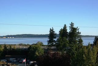 Photo 12: 15821 Columbia Avenue in White Rock: Home for sale : MLS®# F2833600