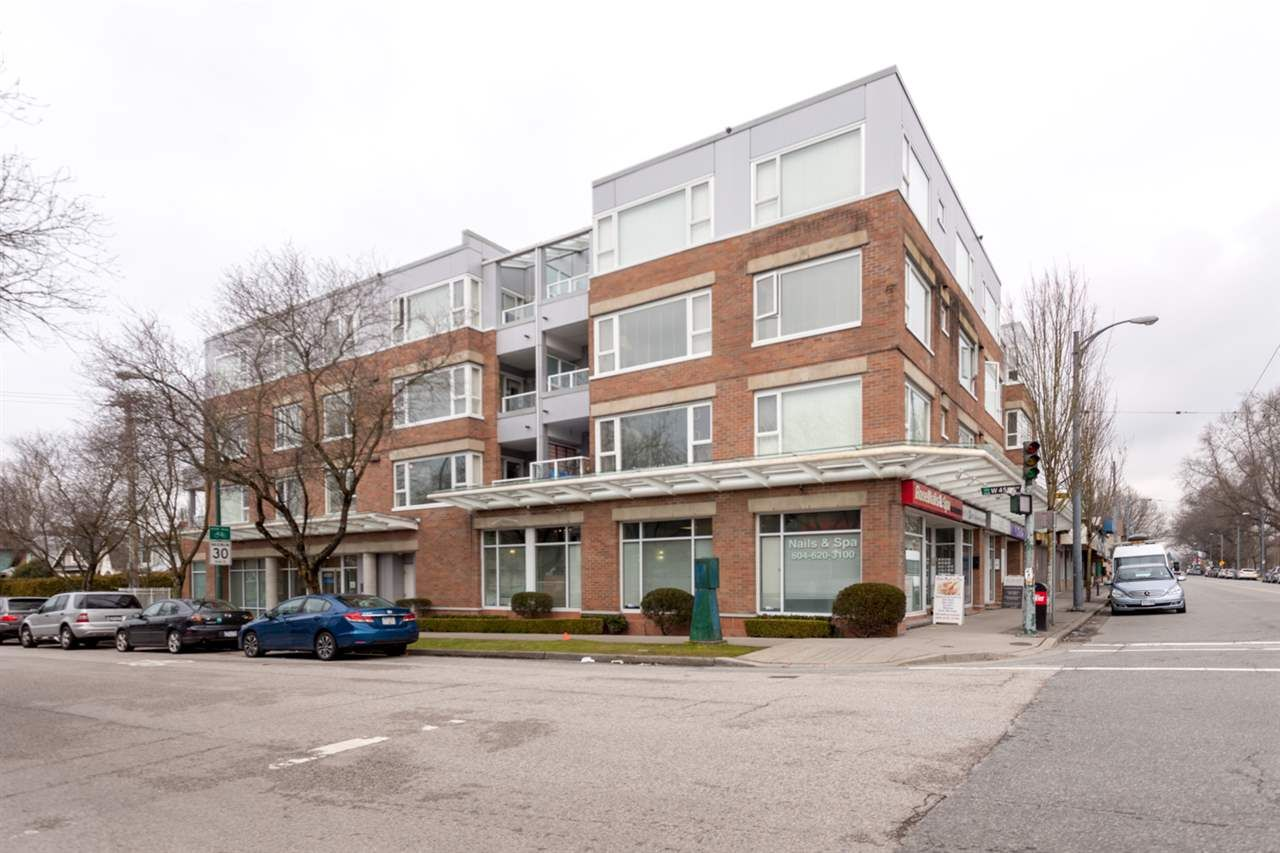 """Main Photo: 206 2103 W 45TH Avenue in Vancouver: Kerrisdale Condo for sale in """"The Legend"""" (Vancouver West)  : MLS®# R2245216"""