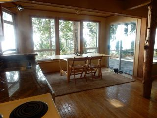 Photo 8: 8045 REDROOFFS Road in Halfmoon Bay: Halfmn Bay Secret Cv Redroofs House for sale (Sunshine Coast)  : MLS®# R2040225