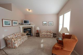 Photo 9: 225 ROYAL CREST View NW in Calgary: Royal Oak House for sale : MLS®# C4164190