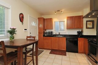 """Photo 4: 65 E 40TH Avenue in Vancouver: Main House for sale in """"Main Street"""" (Vancouver East)  : MLS®# R2050054"""