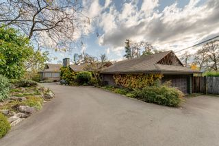 Photo 2: 903 Bradley Dyne Rd in : NS Ardmore House for sale (North Saanich)  : MLS®# 870746