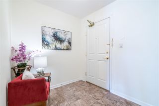 """Photo 18: 701 612 SIXTH Street in New Westminster: Uptown NW Condo for sale in """"THE WOODWARD"""" : MLS®# R2390390"""