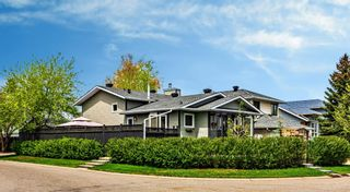 Photo 2: 219 Riverbirch Road SE in Calgary: Riverbend Detached for sale : MLS®# A1109121
