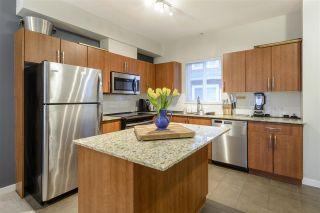 """Photo 9: 403 1661 FRASER Avenue in Port Coquitlam: Glenwood PQ Townhouse for sale in """"Brimley Mews"""" : MLS®# R2547469"""