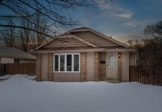 Photo 1: 79 Reay Crescent in Winnipeg: Valley Gardens Residential for sale (3E)  : MLS®# 202005941