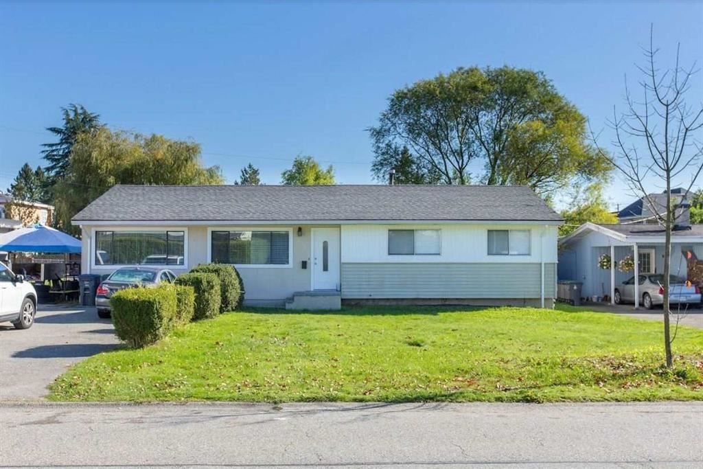 Main Photo: 6102 175A Street in Surrey: Cloverdale BC House for sale (Cloverdale)  : MLS®# R2472448