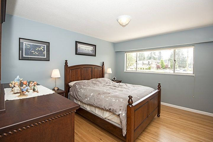 Photo 7: Photos: 1327 BRISBANE Avenue in Coquitlam: Harbour Chines House for sale : MLS®# R2061600