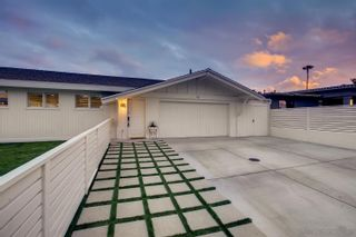 Photo 3: OCEAN BEACH House for sale : 4 bedrooms : 3825 Coronado Ave in San Diego