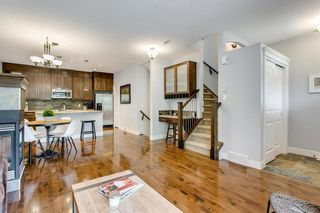 Photo 9: 1 2415 28 Street SW in Calgary: Killarney/Glengarry Row/Townhouse for sale : MLS®# C4254500
