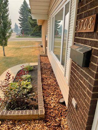 Photo 3: 3708 108 Street in Edmonton: Zone 16 House for sale : MLS®# E4255030