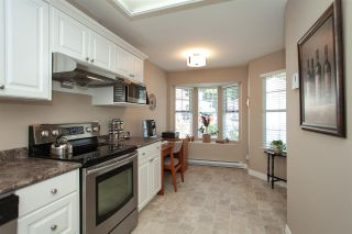 """Photo 12: 4 6537 138 Street in Surrey: East Newton Townhouse for sale in """"Charleston Green"""" : MLS®# R2303833"""