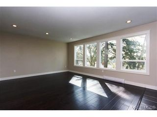 Photo 4: 979 Ridgeway St in VICTORIA: SE Swan Lake House for sale (Saanich East)  : MLS®# 636924