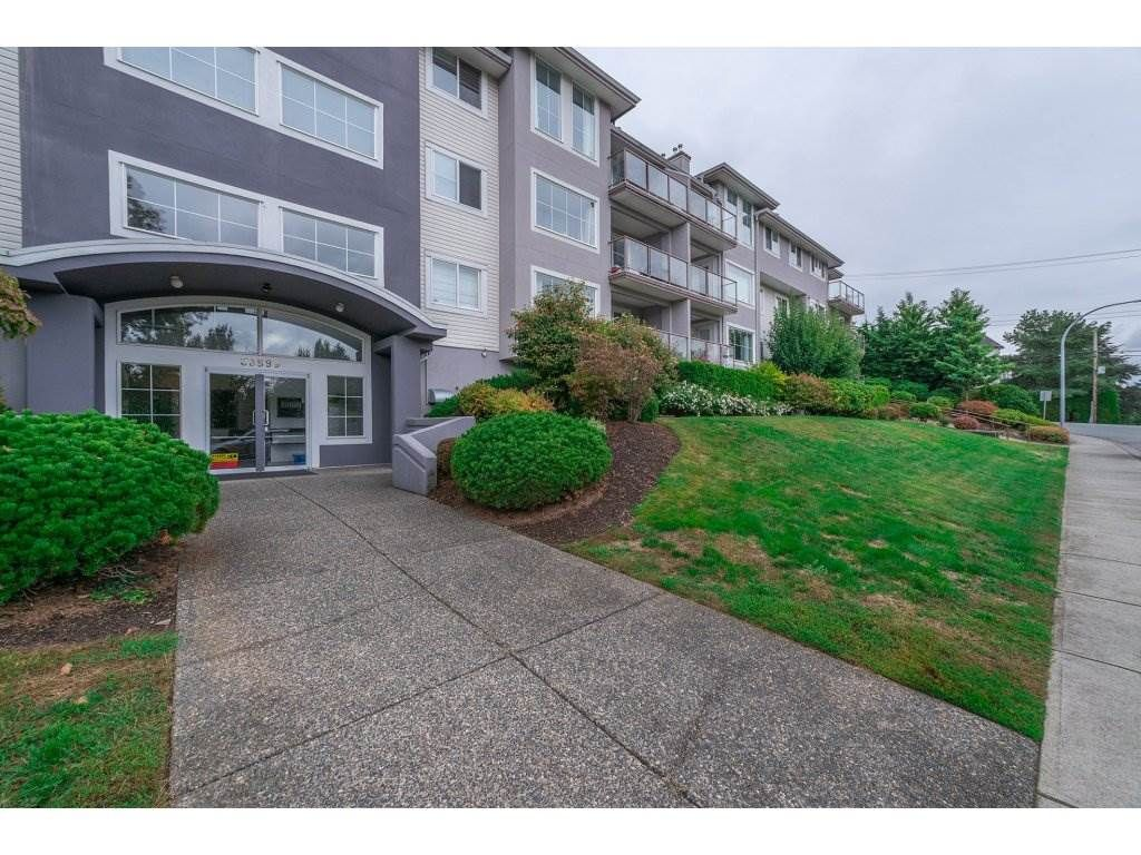 Main Photo: 102 33599 2ND Avenue in Mission: Mission BC Condo for sale : MLS®# R2208471