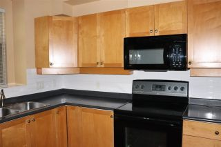 Photo 8: 236 600 PARK Crescent in New Westminster: GlenBrooke North Townhouse for sale : MLS®# R2479688