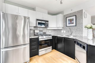 """Photo 5: 1203 1238 RICHARDS Street in Vancouver: Yaletown Condo for sale in """"Metropolis"""" (Vancouver West)  : MLS®# R2472141"""