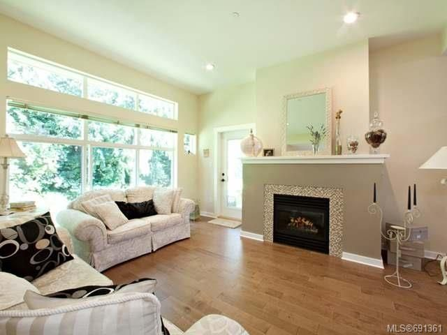 Photo 5: Photos: 6 500 Corfield St in PARKSVILLE: PQ Parksville Row/Townhouse for sale (Parksville/Qualicum)  : MLS®# 691361