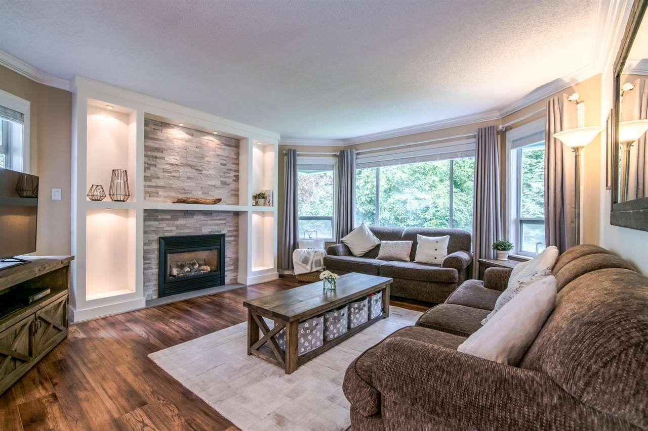 Main Photo: 11 9000 ASH GROVE CRESCENT in Burnaby: Forest Hills BN Townhouse for sale (Burnaby North)  : MLS®# R2401504