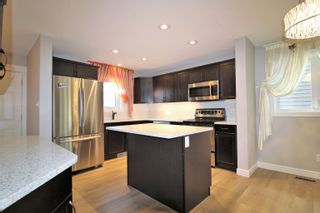 Photo 2: 1140 161 Street in Edmonton: Zone 56 House for sale : MLS®# E4266101
