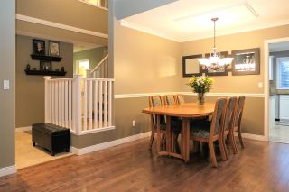 """Photo 4: 18343 68 Avenue in Surrey: Cloverdale BC House for sale in """"Cloverwoods"""" (Cloverdale)  : MLS®# R2441662"""