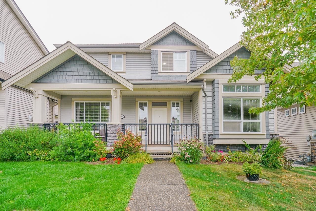 Main Photo: 6940 195A Street in Surrey: Clayton House for sale (Cloverdale)  : MLS®# R2616936