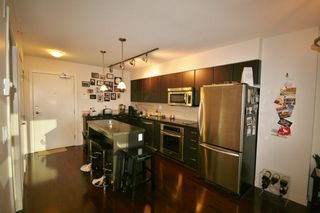 Photo 10: 706 538 Smithe Street in The Mode: Home for sale