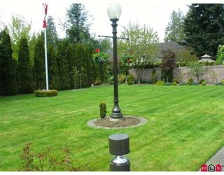 """Photo 6: 2957 139A Street in White_Rock: Elgin Chantrell House for sale in """"West Elgin Estates"""" (South Surrey White Rock)  : MLS®# F2813262"""