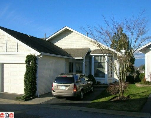 """Main Photo: 46 9012 WALNUT GROVE Drive in Langley: Walnut Grove Townhouse for sale in """"Queen Anne Green"""" : MLS®# F1004107"""