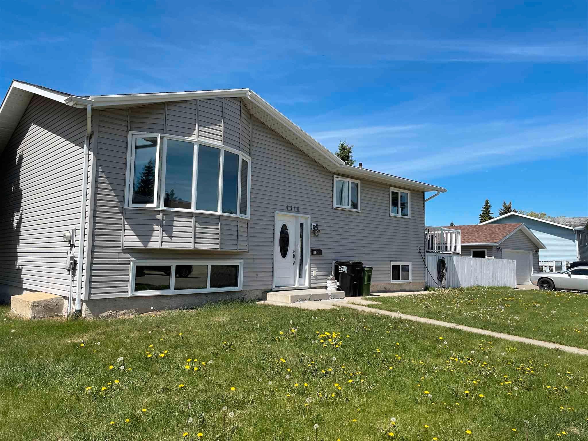 Main Photo: 4116 18 Avenue in Edmonton: Zone 29 House for sale : MLS®# E4247862