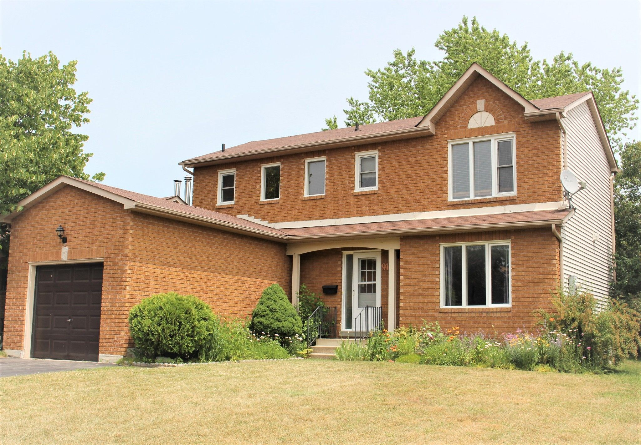 Main Photo: 910 Cornell Cres in Cobourg: House for sale : MLS®# 207624