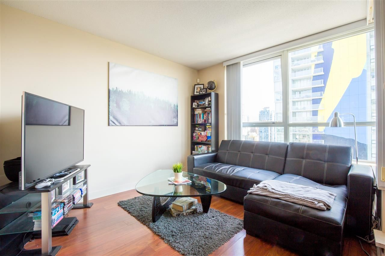 "Photo 4: Photos: 2507 1438 RICHARDS Street in Vancouver: Yaletown Condo for sale in ""AZURA ONE"" (Vancouver West)  : MLS®# R2394996"