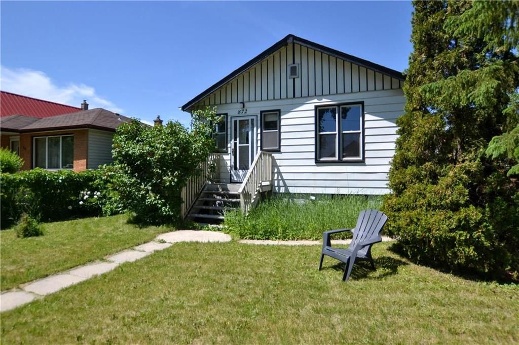 Main Photo: 872 Clifton Street in Winnipeg: West End Residential for sale (5C)  : MLS®# 202015103