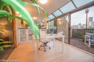 "Photo 11: 1006 IRONWORK PASSAGE in Vancouver: False Creek Townhouse for sale in ""Marine Mews"" (Vancouver West)  : MLS®# R2420267"