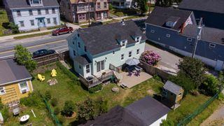 Photo 3: 131 Water Street in Shelburne: 407-Shelburne County Residential for sale (South Shore)  : MLS®# 202115250