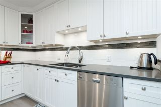 """Photo 12: 11 15563 MARINE Drive: White Rock Condo for sale in """"Oceanview Terrace"""" (South Surrey White Rock)  : MLS®# R2513794"""