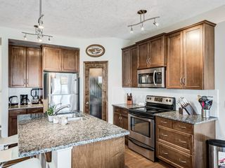Photo 4: 332c Silvergrove Place NW in Calgary: Silver Springs Detached for sale : MLS®# A1088250
