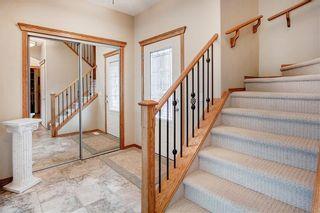 Photo 2: 244 SUNSET Close: Cochrane Detached for sale : MLS®# C4305760
