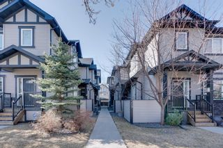 Main Photo: 2 309 15 Avenue NE in Calgary: Crescent Heights Row/Townhouse for sale : MLS®# A1091179