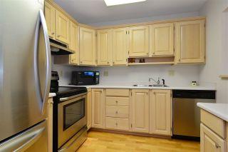 "Photo 6: 403 1220 FIR Street: White Rock Condo for sale in ""VISTA PACIFICA"" (South Surrey White Rock)  : MLS®# R2332976"