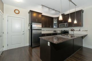 Photo 3: 409 2330 SHAUGHNESSY STREET in Port Coquitlam: Central Pt Coquitlam Condo for sale : MLS®# R2420583
