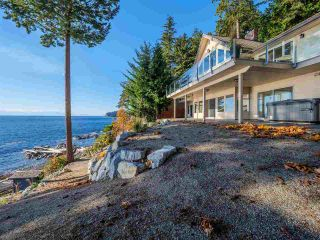 "Main Photo: 7101 DALE Road in Sechelt: Sechelt District House for sale in ""Caleda Estates"" (Sunshine Coast)  : MLS®# R2515160"
